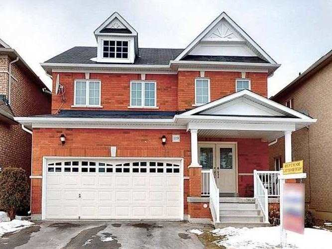 pictures of house for sale MLS: N4697334 located at 119 Duffin Dr, Whitchurch-Stouffville L4A0X3