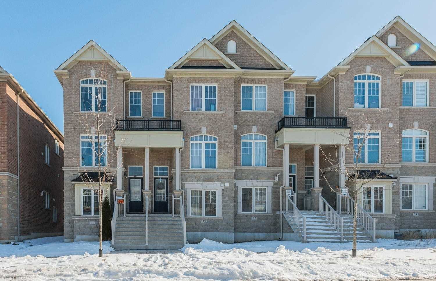 pictures of house for sale MLS: N4698071 located at 31 Gadani Dr, Markham L6E0R2