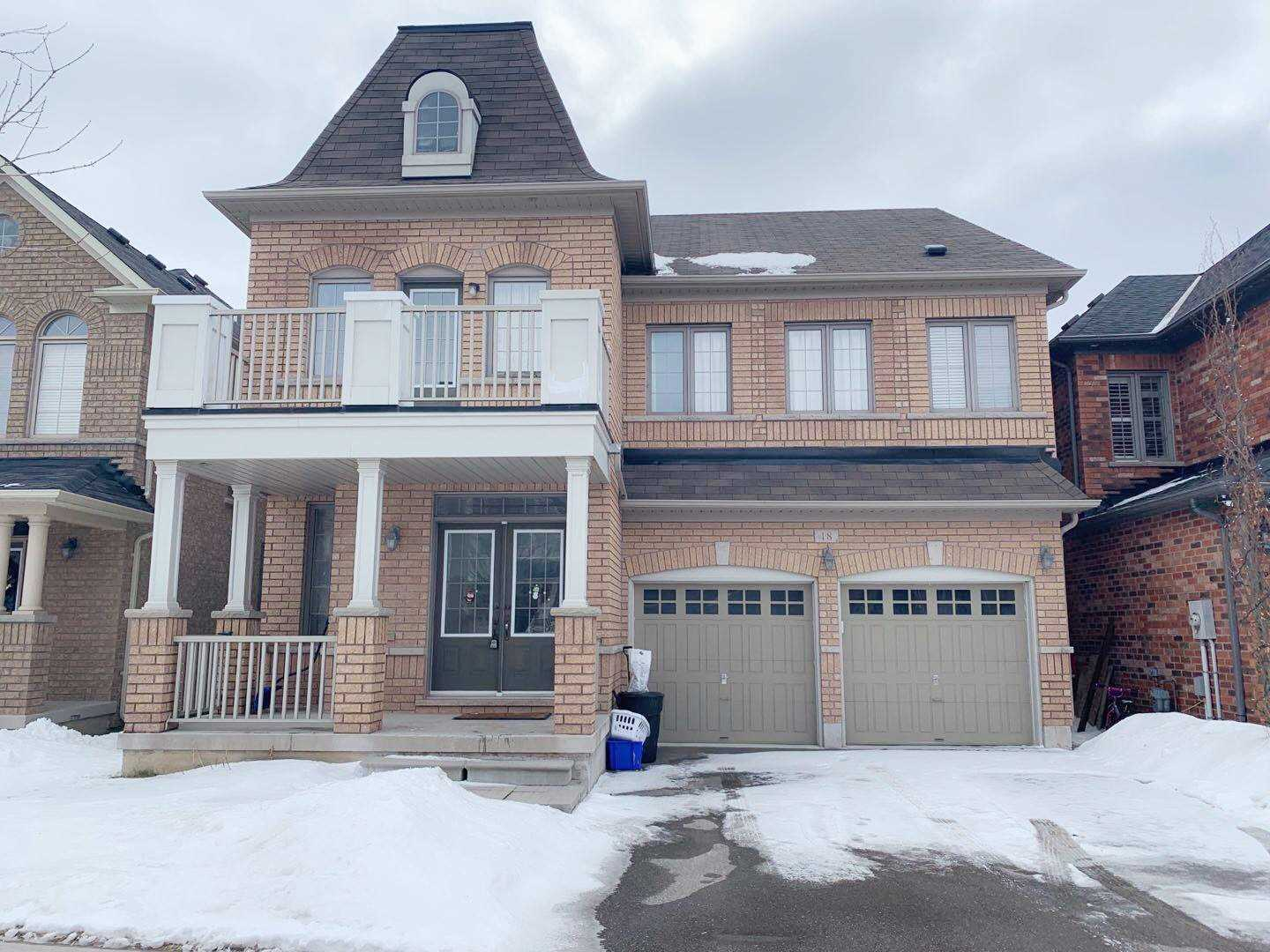 pictures of 18 Westwind Cres, Whitchurch-Stouffville L4A0C3