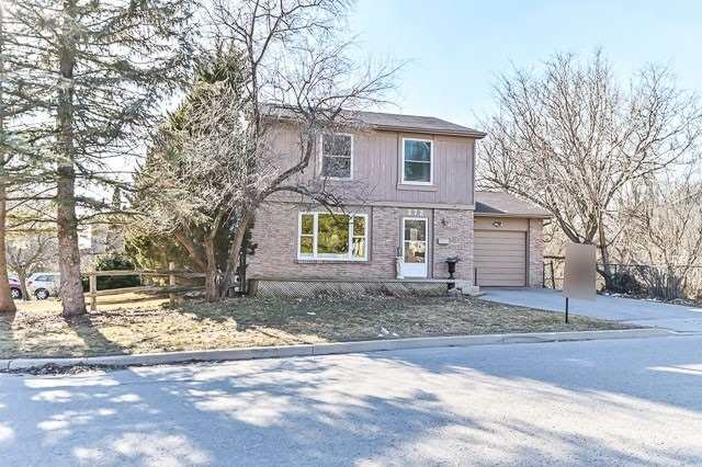 pictures of house for sale MLS: N4699210 located at 272 Waratah Ave, Newmarket L3Y5J2