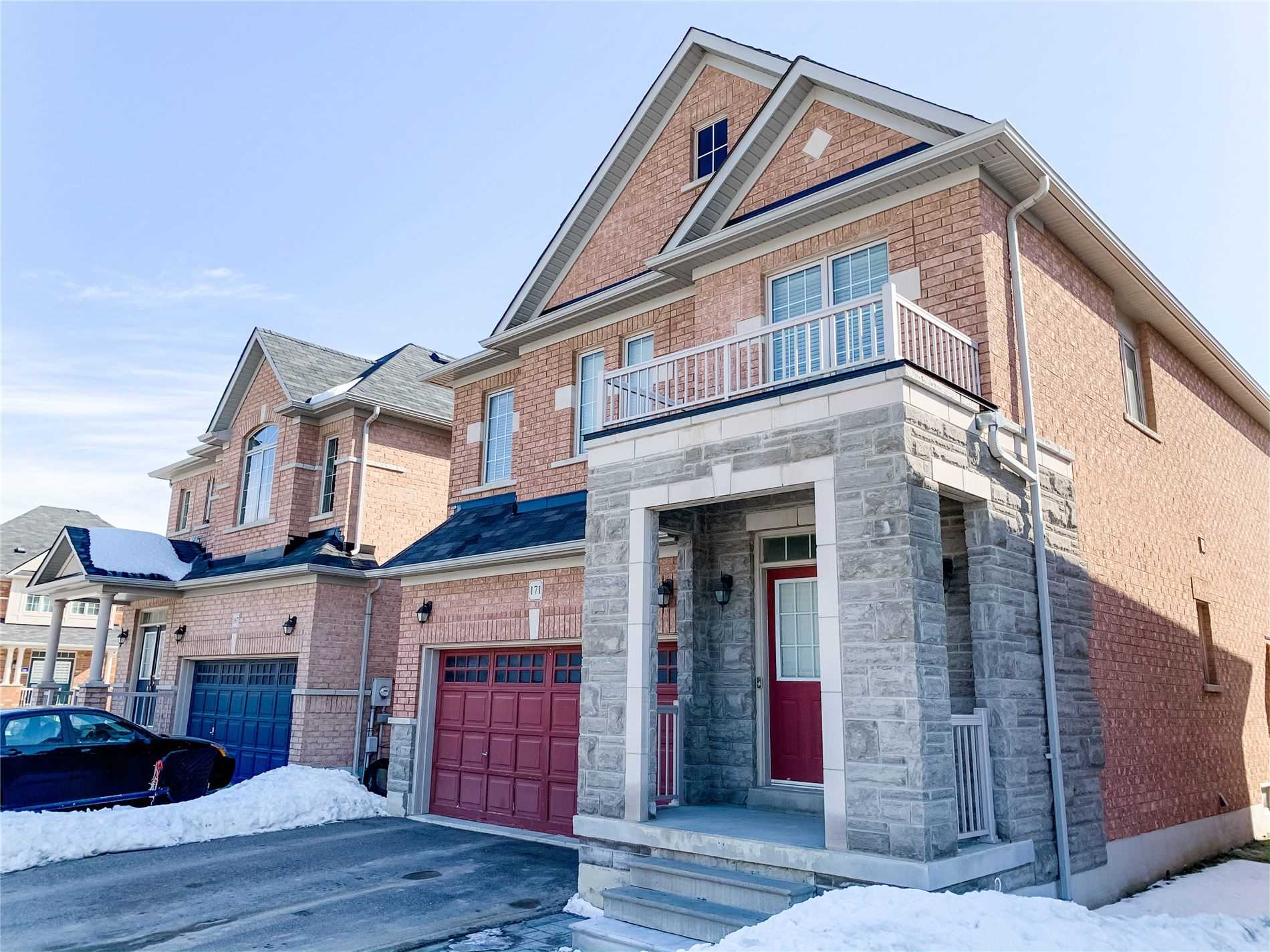 pictures of house for sale MLS: N4699760 located at 171 Richard Underhill Ave, Whitchurch-Stouffville L4A0Z1