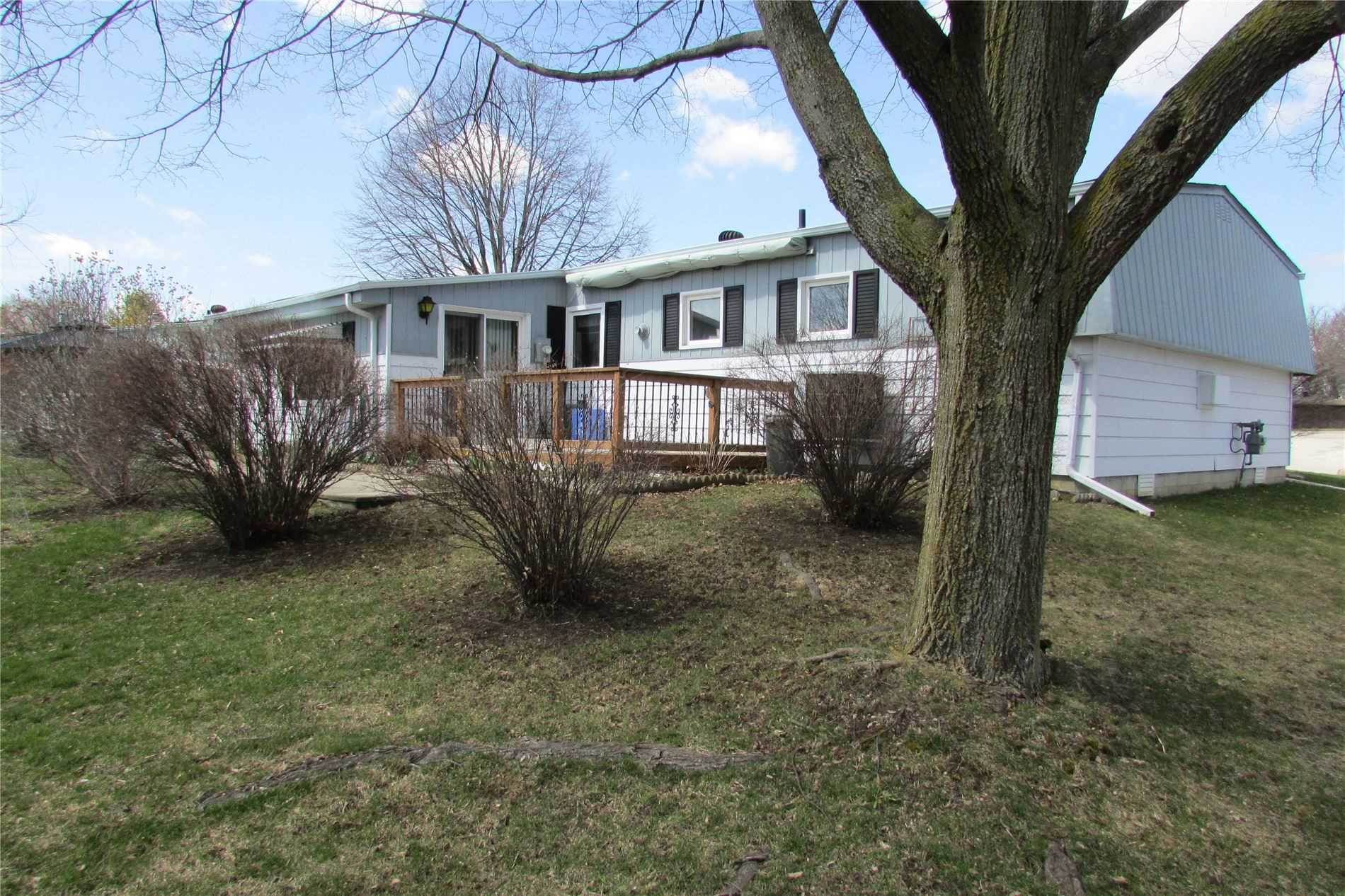 pictures of house for sale MLS: N4699894 located at 49 Linden Lane, Innisfil L9S1P2