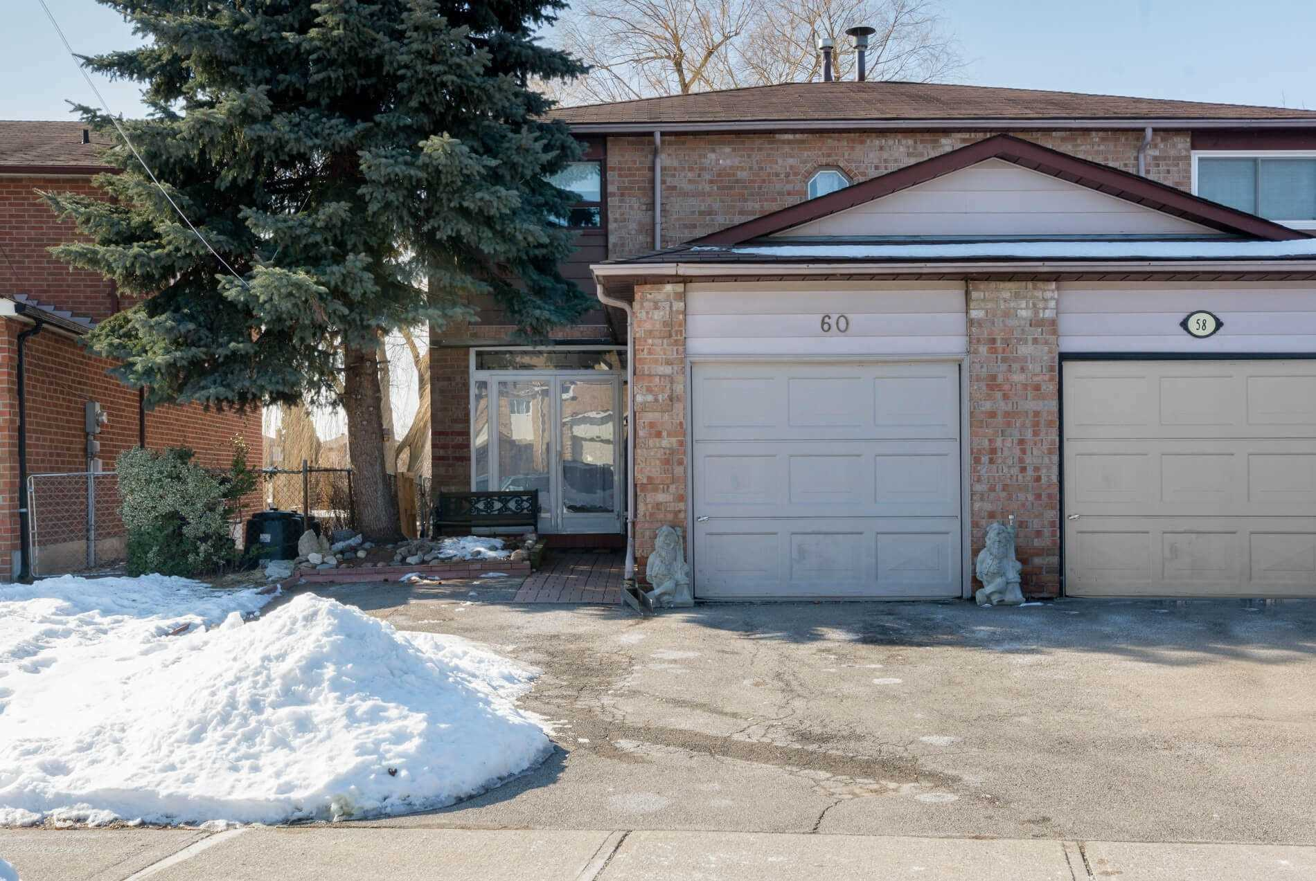 pictures of house for sale MLS: N4700118 located at 60 Ashcroft Crt, Vaughan L4L1H2