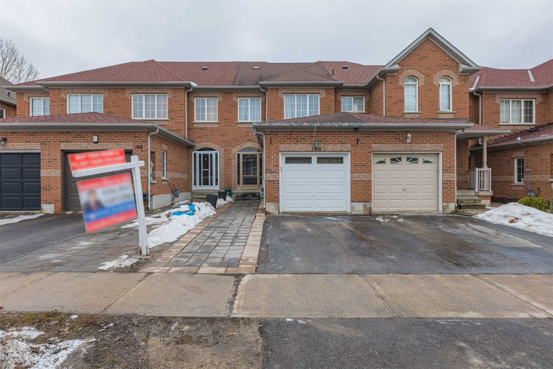 pictures of house for sale MLS: N4702766 located at 108 Lucena Cres, Vaughan L6A2W5