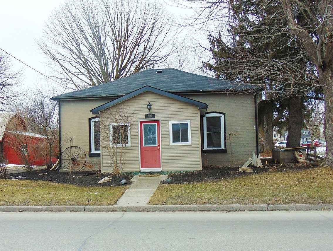 pictures of house for sale MLS: N4703705 located at 206 Albert St W, New Tecumseth L9R1B6