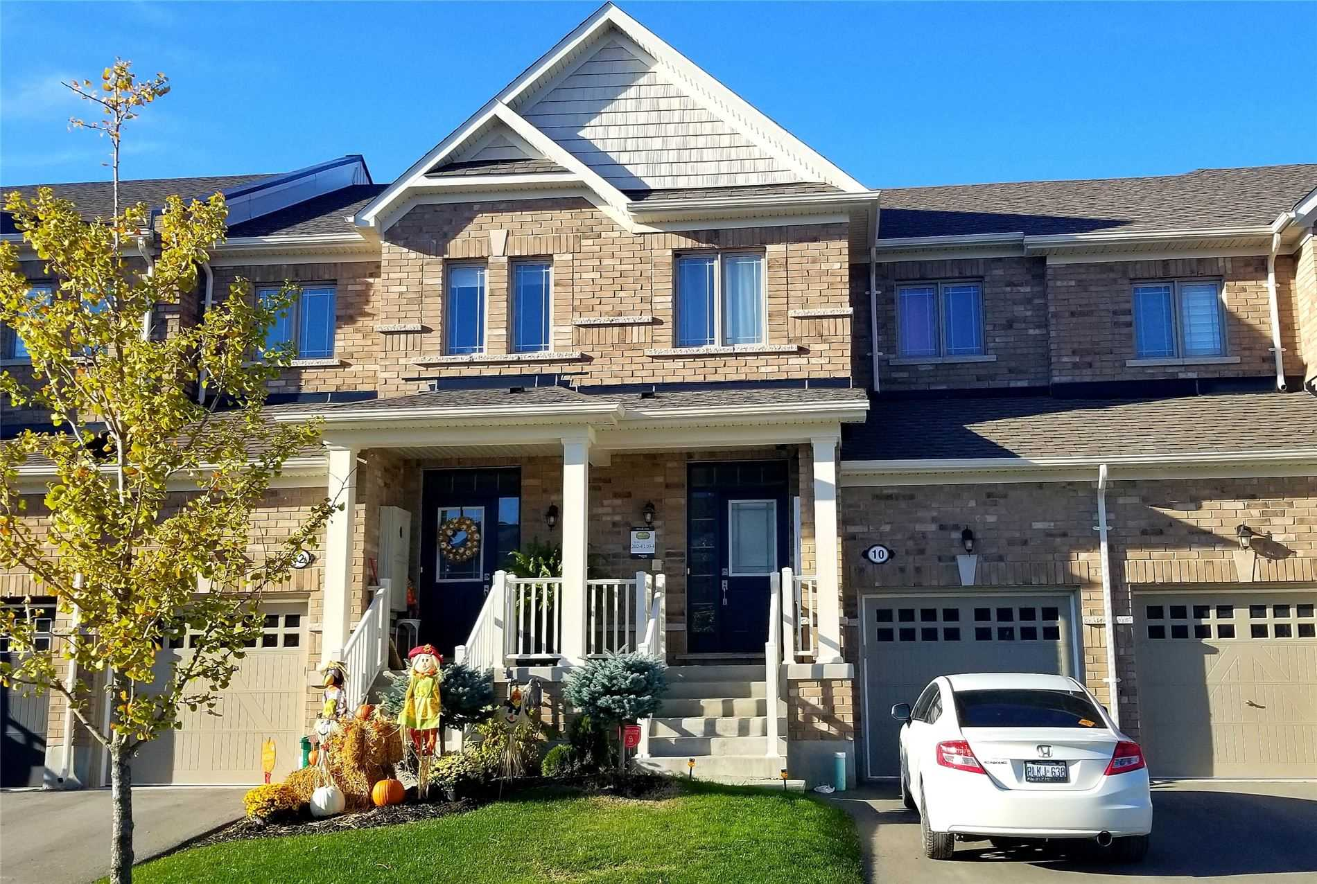 pictures of house for sale MLS: N4704473 located at 10 Sharpe Cres, New Tecumseth L0G1W0
