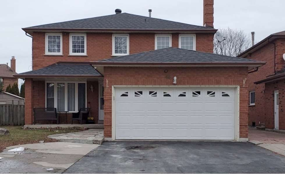 pictures of house for sale MLS: N4704488 located at 46 Granger St, Vaughan L6A1B5