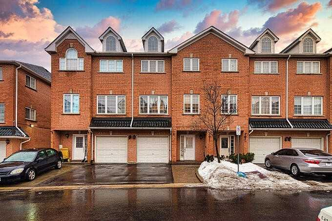 pictures of house for sale MLS: N4712439 located at 2822 Denison St, Markham L3S4T5