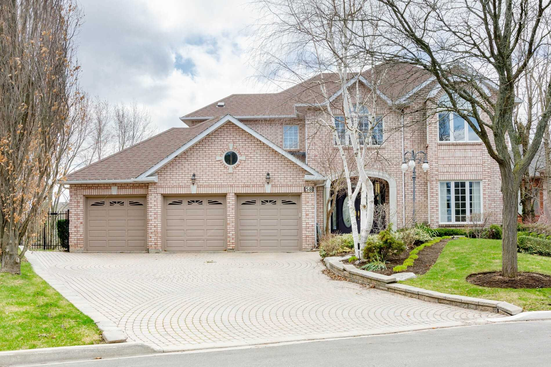 pictures of house for sale MLS: N4713149 located at 58 Ayton Cres, Vaughan L4L7H8