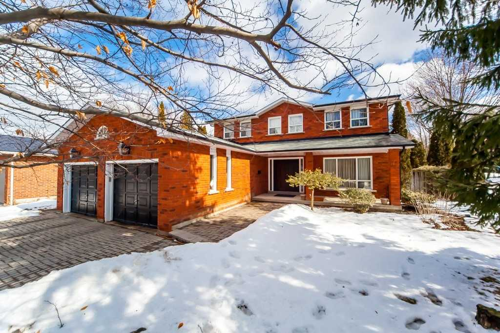 pictures of house for sale MLS: N4713341 located at 43 Kilmuir Gate, Vaughan L4L3L8