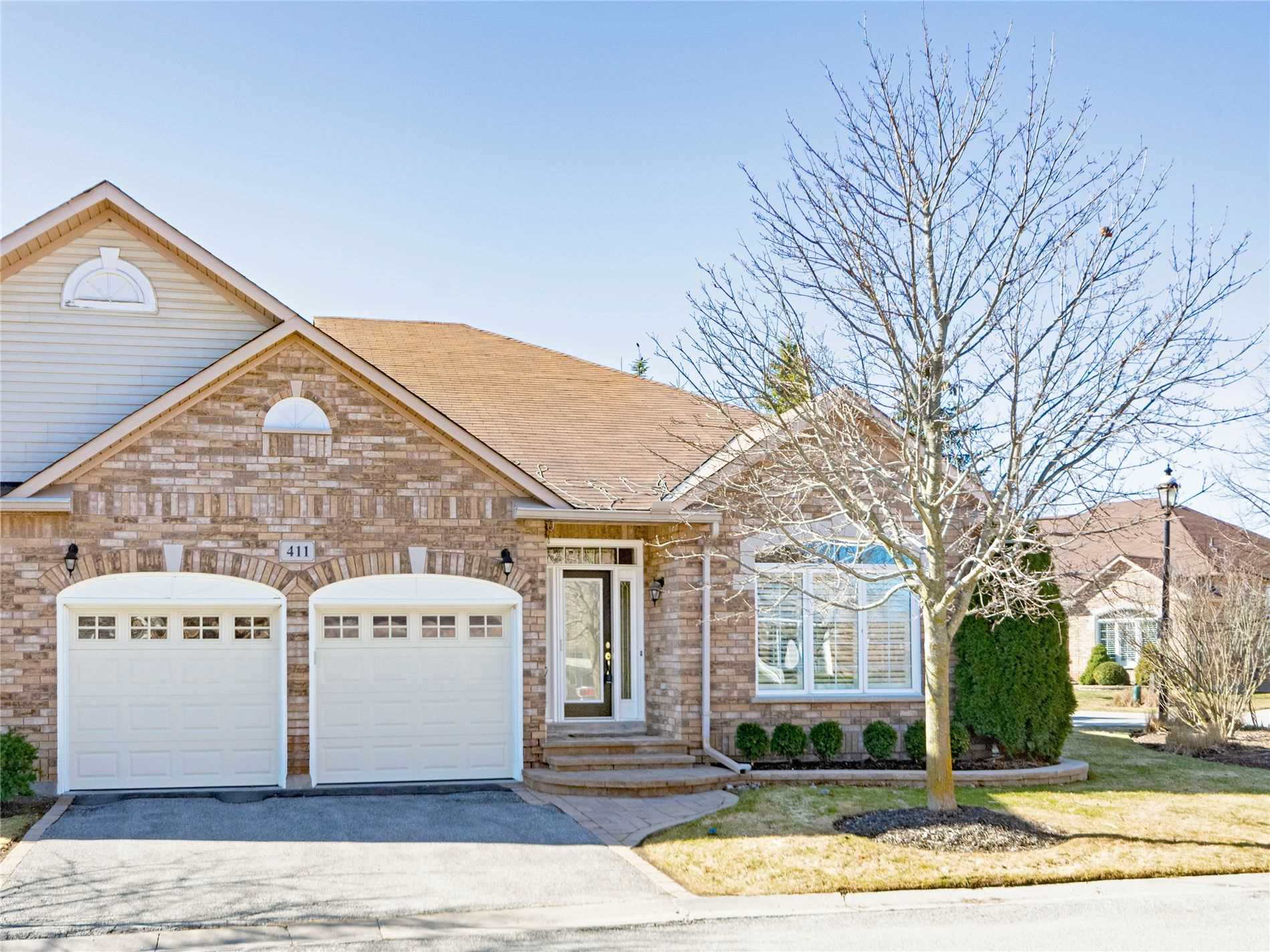pictures of 411 Morley Cook Cres, Newmarket L3X2M3