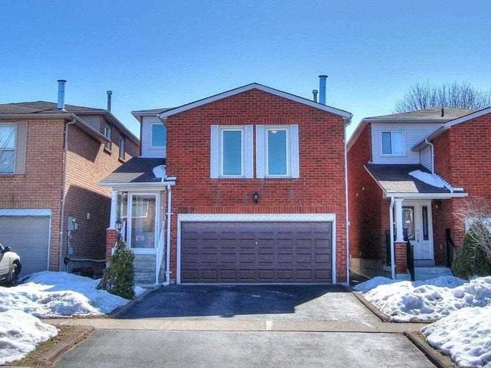 pictures of house for sale MLS: N4715504 located at 127 Gayla St, Vaughan L4J6G9