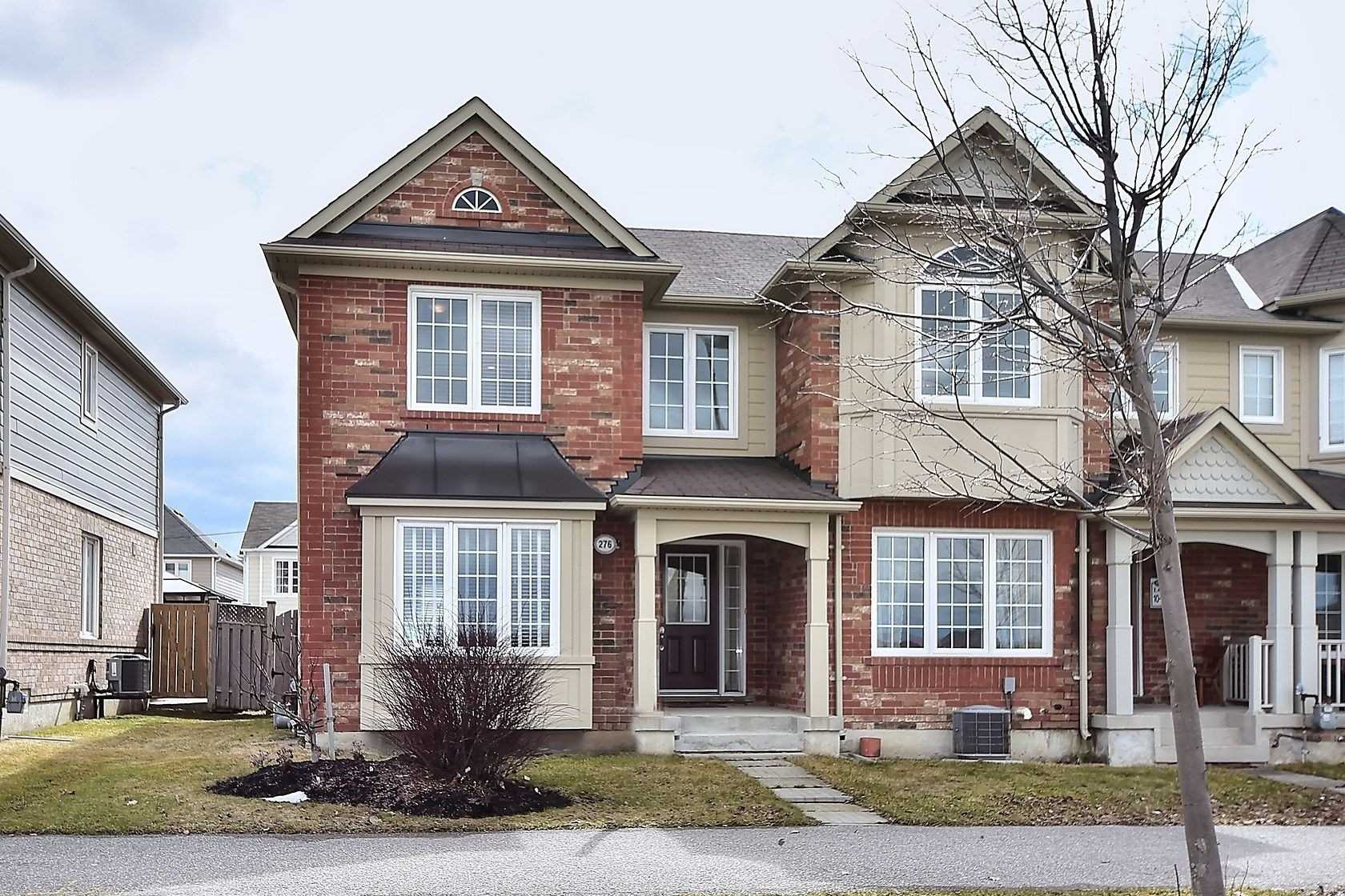 pictures of house for sale MLS: N4721634 located at 276 Gas Lamp Lane, Markham L6B1L8