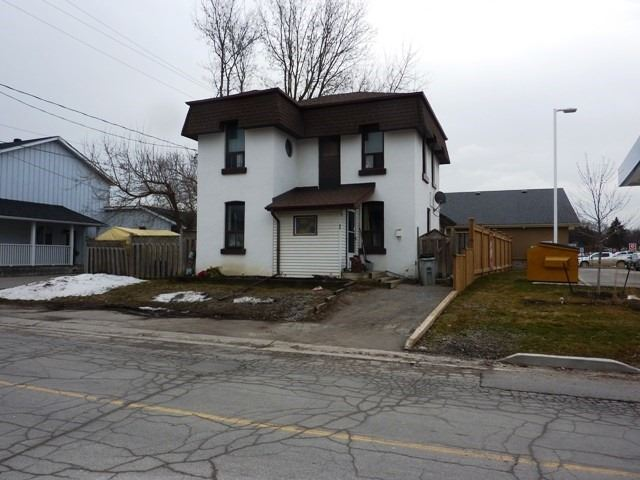 pictures of house for sale MLS: N4722330 located at 1 Dillane St E, New Tecumseth L0G1W0