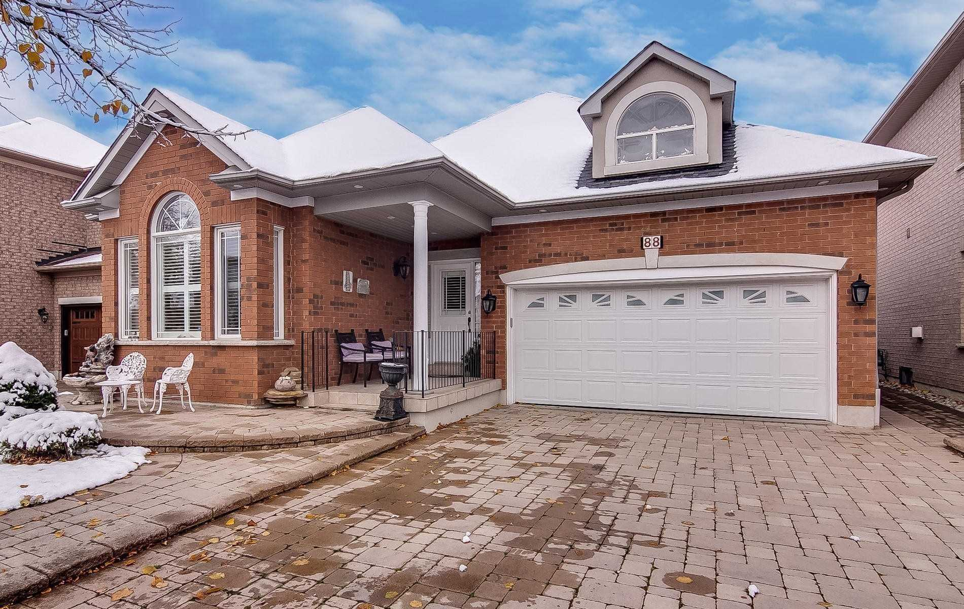 pictures of house for sale MLS: N4722606 located at 88 Arista Gate, Vaughan L4L9H7