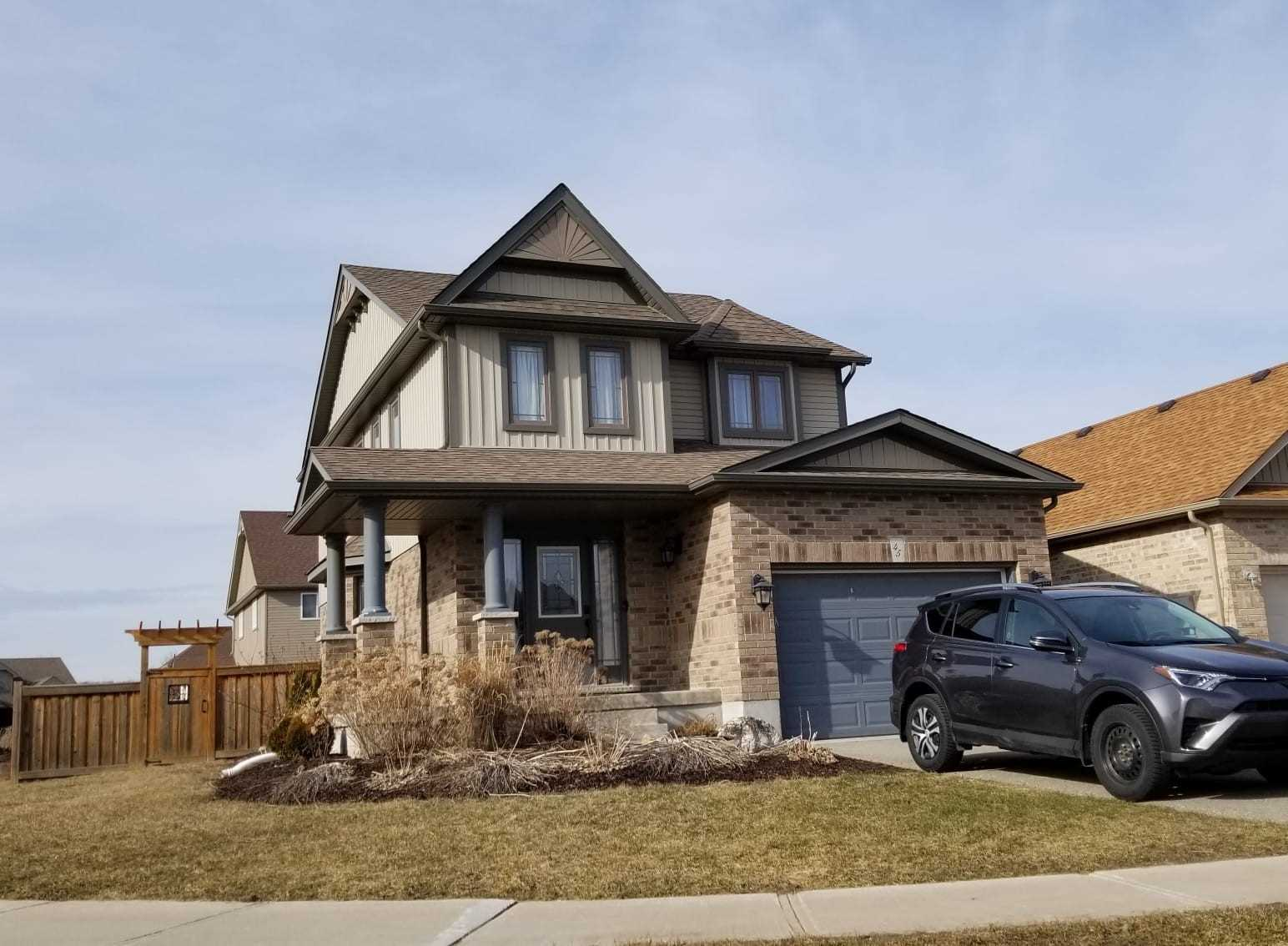 pictures of house for sale MLS: N4722758 located at 45 Irwin Cres, New Tecumseth L9R0G7