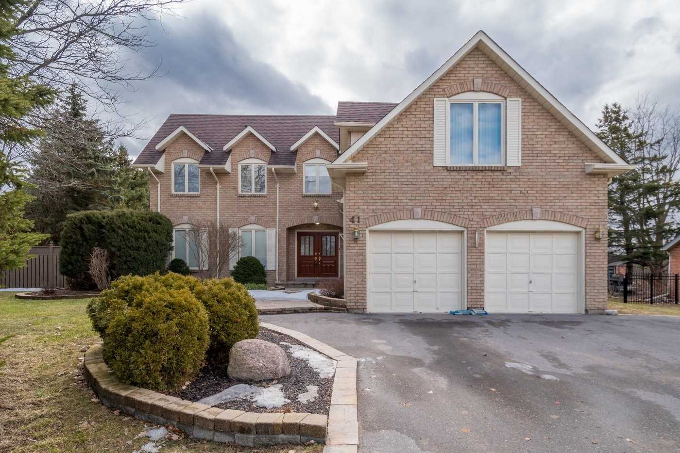pictures of 41 Goodfellow Cres, King L0G1N0