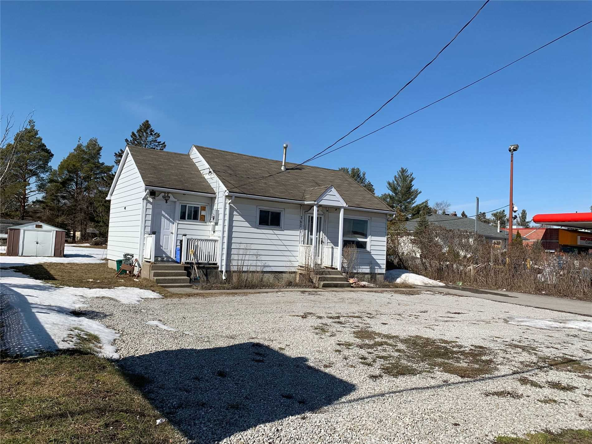 pictures of house for sale MLS: N4726941 located at 161 Mill St, Essa L0M1B0