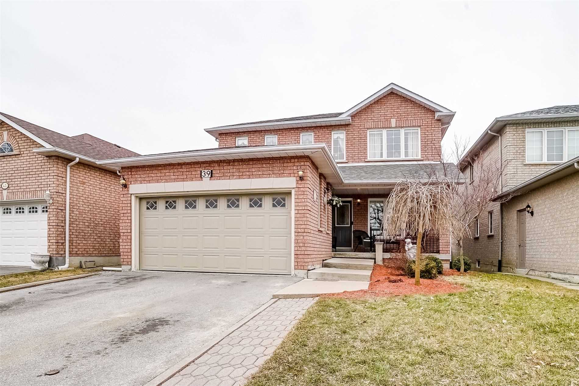 pictures of house for sale MLS: N4728033 located at 39 Sicilia St, Vaughan L4H1G3