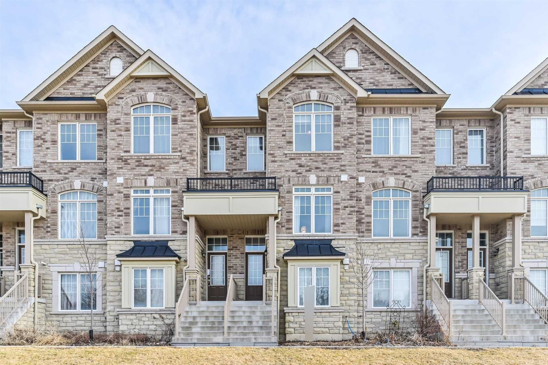 pictures of house for sale MLS: N4732754 located at 101 Dundas Way, Markham L6E0R7