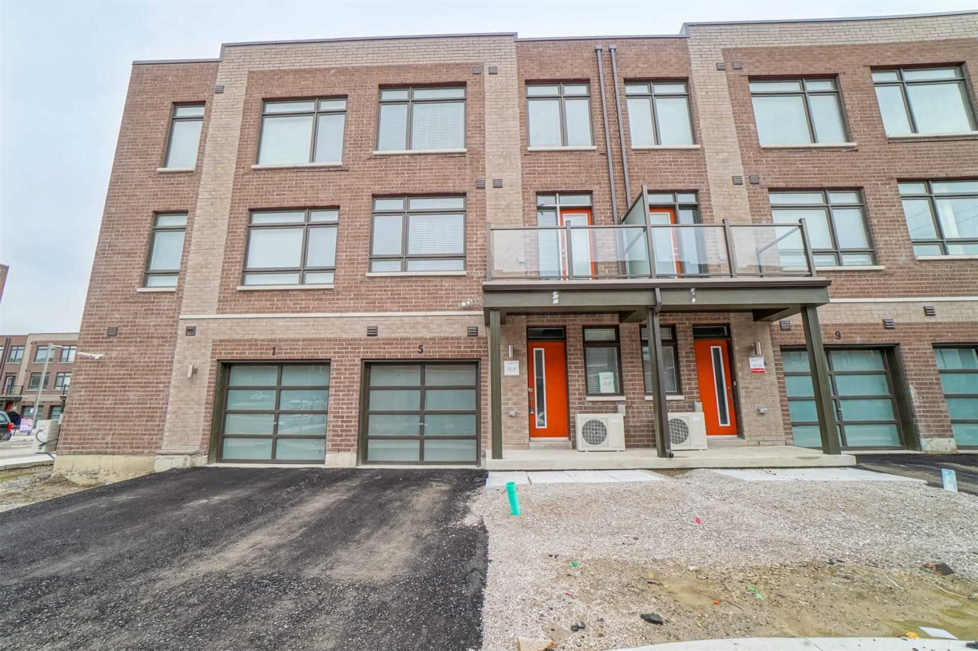 pictures of house for sale MLS: N4736401 located at 5 Allward St, Vaughan L4L9S1