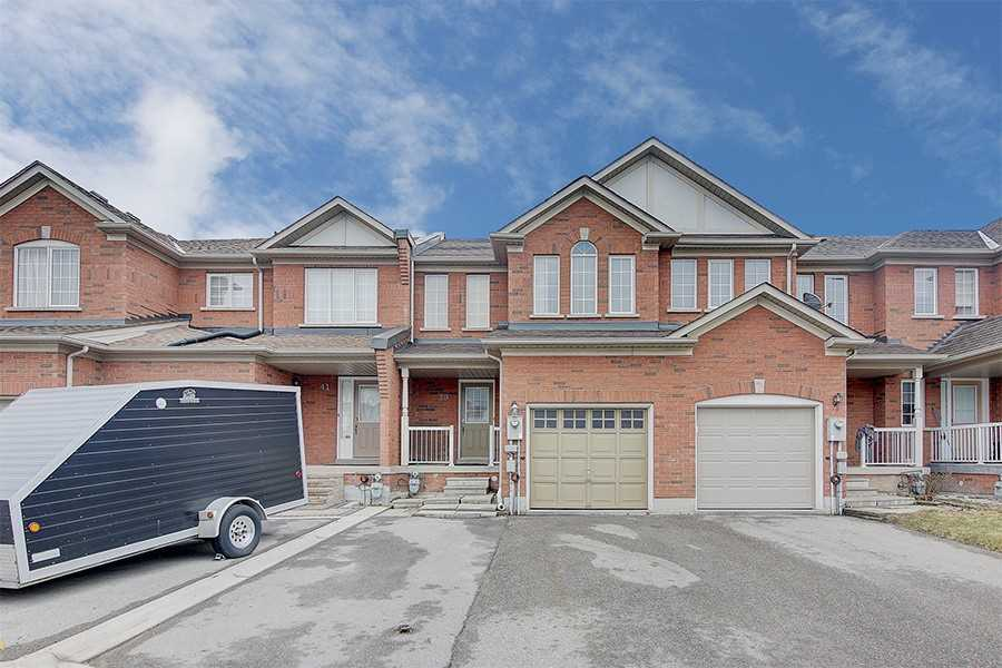 pictures of house for sale MLS: N4737353 located at 39 Carrillo St, Vaughan L6A3W8