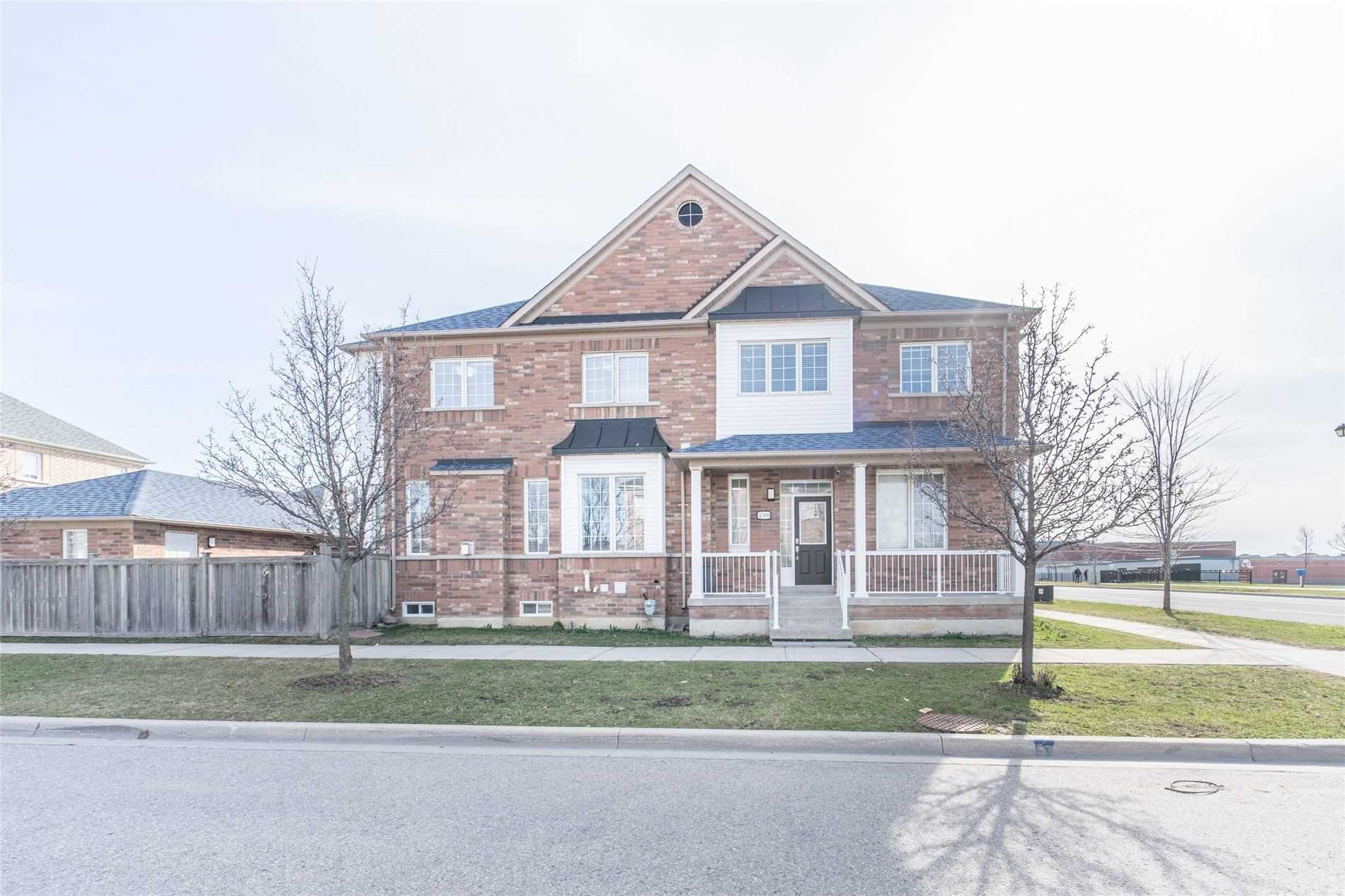 pictures of house for sale MLS: N4739255 located at 2306 Bur Oak Ave, Markham L6E1L8
