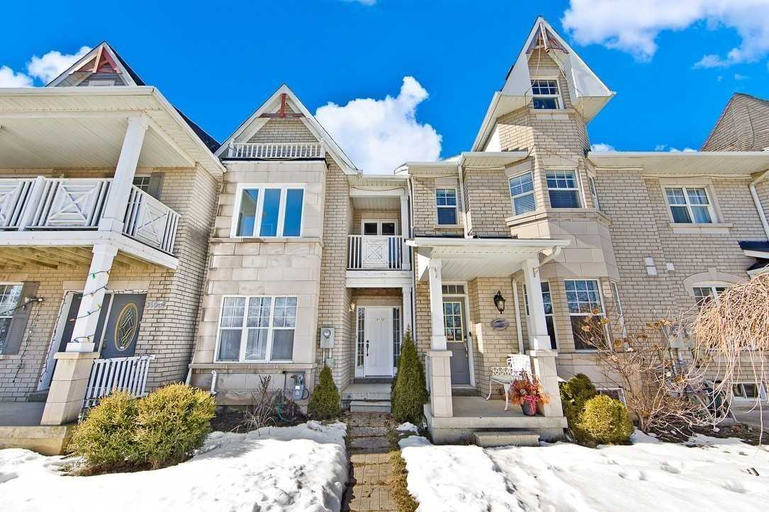 pictures of house for sale MLS: N4758715 located at 10170 Jane St, Vaughan L6A3K1