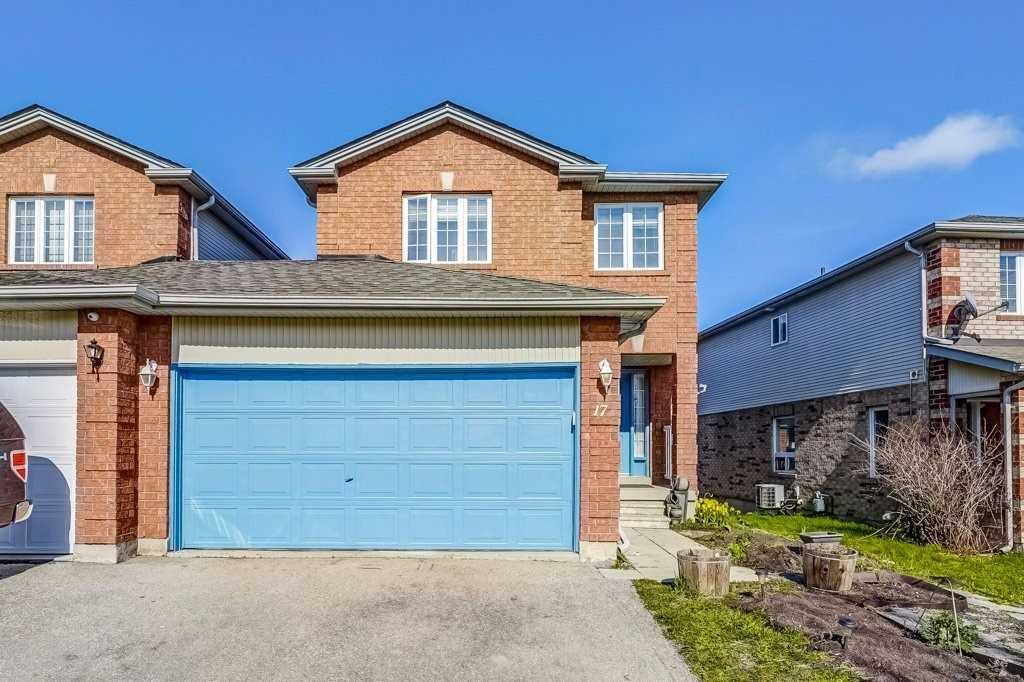 pictures of house for sale MLS: N4759508 located at 17 Smith St, Bradford West Gwillimbury L3Z3E1