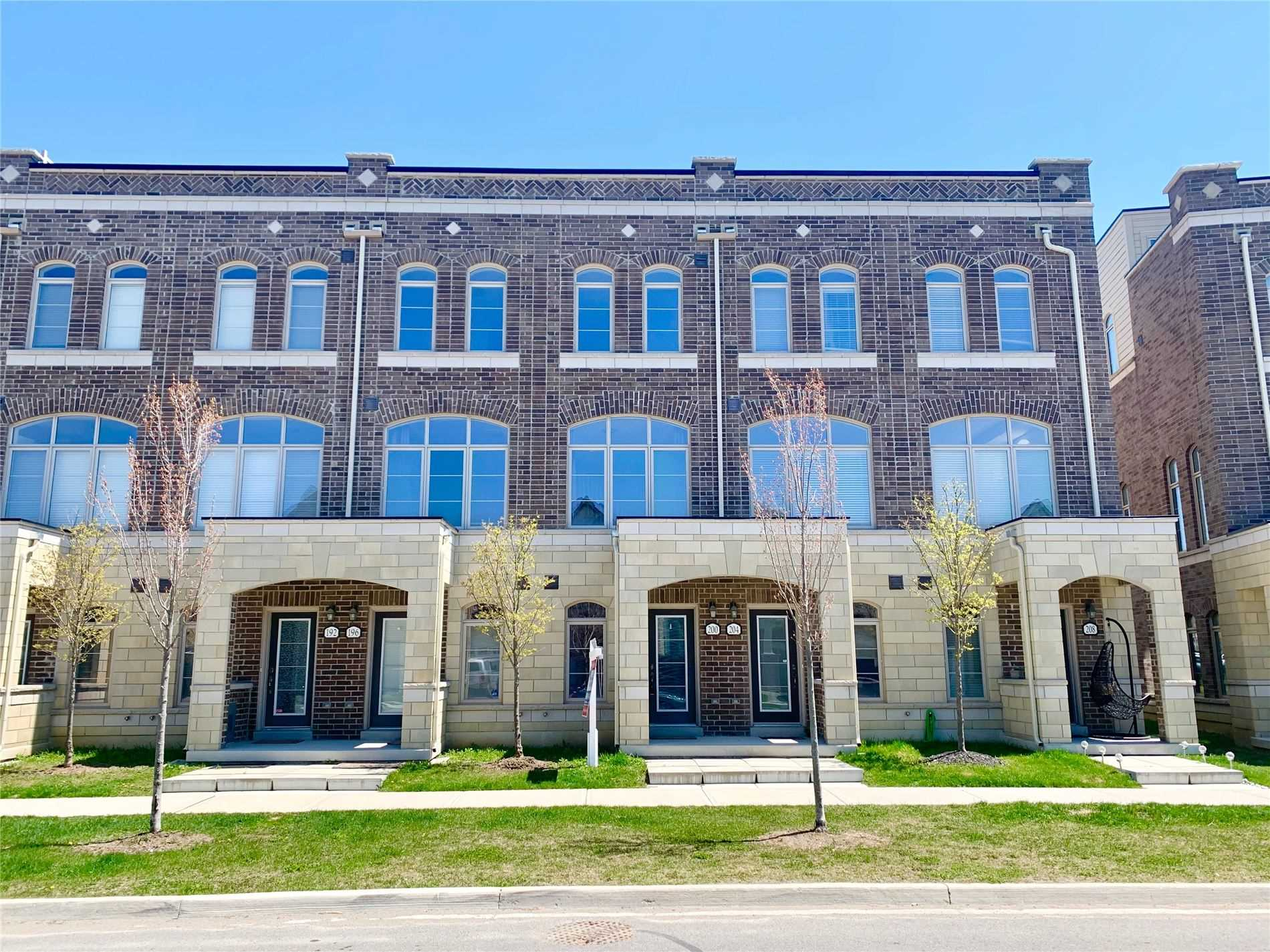 pictures of 200 Glad Park Ave, Whitchurch-Stouffville L4A1X1