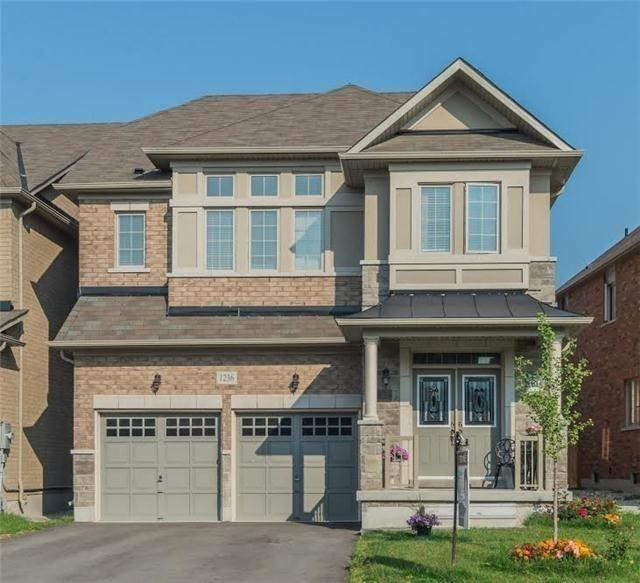 pictures of 1236 Atkins Dr, Newmarket L3X0C3
