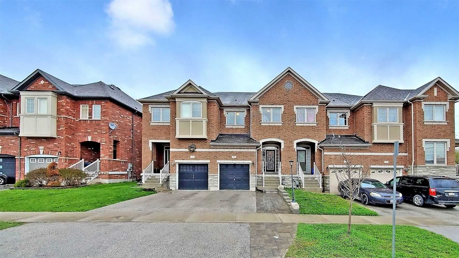 pictures of house for sale MLS: N4764905 located at 5 Rogers Tr, Bradford West Gwillimbury L3Z0G4