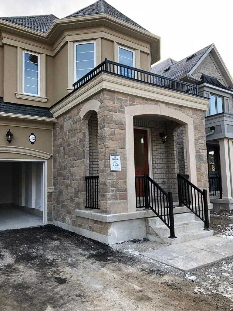 pictures of 102 Forest Edge Cres N, East Gwillimbury L9N1R6