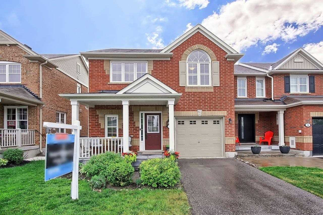 pictures of house for sale MLS: N4774551 located at 18 Kartok Ave, Whitchurch-Stouffville L4A0R2