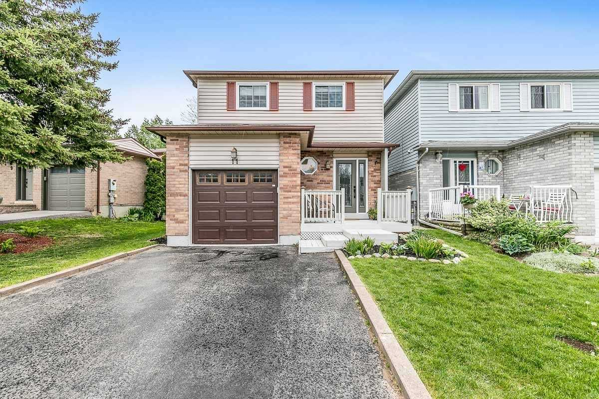 pictures of house for sale MLS: N4776204 located at 11 Hudson Cres, Bradford West Gwillimbury L3Z2J4