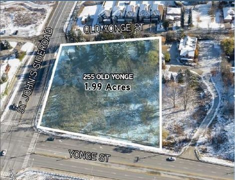 pictures of 255 Old Yonge St, Aurora L4G6J6