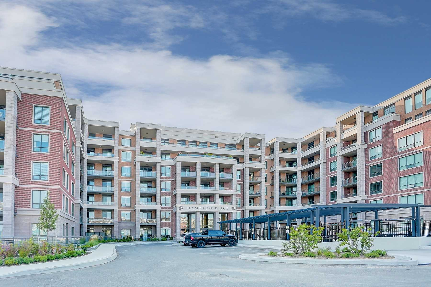 pictures of 25 Baker Hill Blvd, Whitchurch-Stouffville L4A4R5