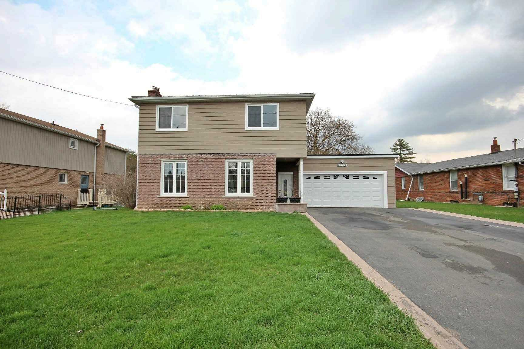 pictures of house for sale MLS: N5065726 located at 19447 Yonge St, East Gwillimbury L9N1L8