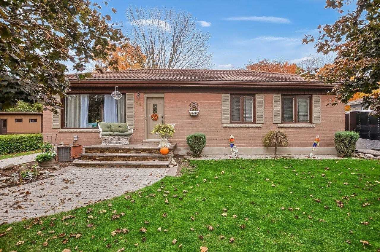 pictures of house for sale MLS: N5074270 located at 44 George St, New Tecumseth L0M1A0