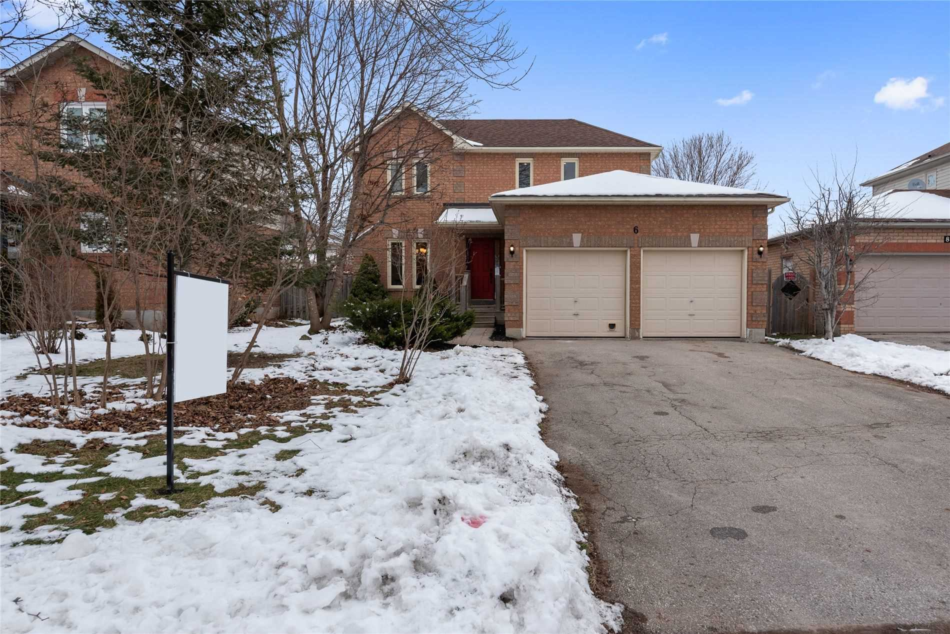 pictures of house for sale MLS: N5079479 located at 6 Dugdale Ave, New Tecumseth L0G1A0