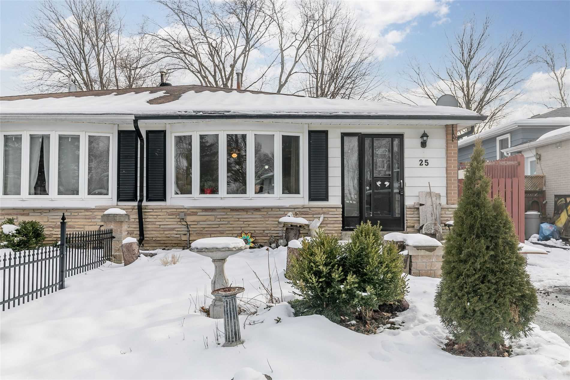 pictures of house for sale MLS: N5082053 located at 25 Lionel Stone Ave E, New Tecumseth L0G1W0