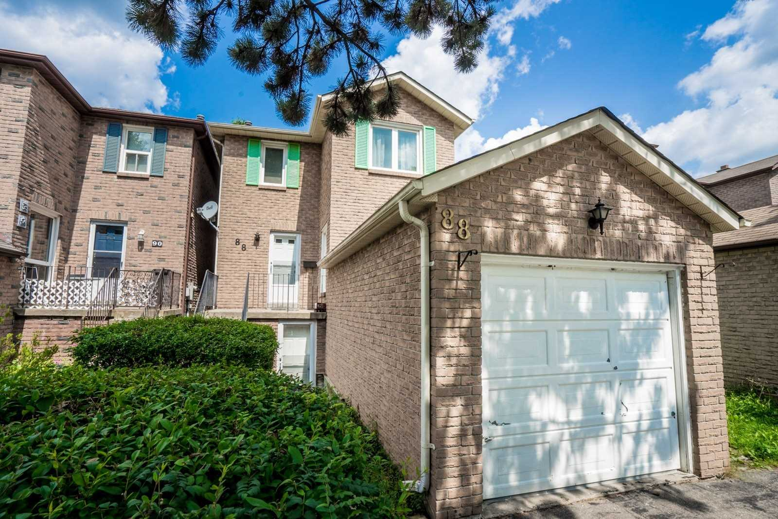 pictures of house for sale MLS: N5082971 located at 88 Markville Rd, Markham L3R4V6