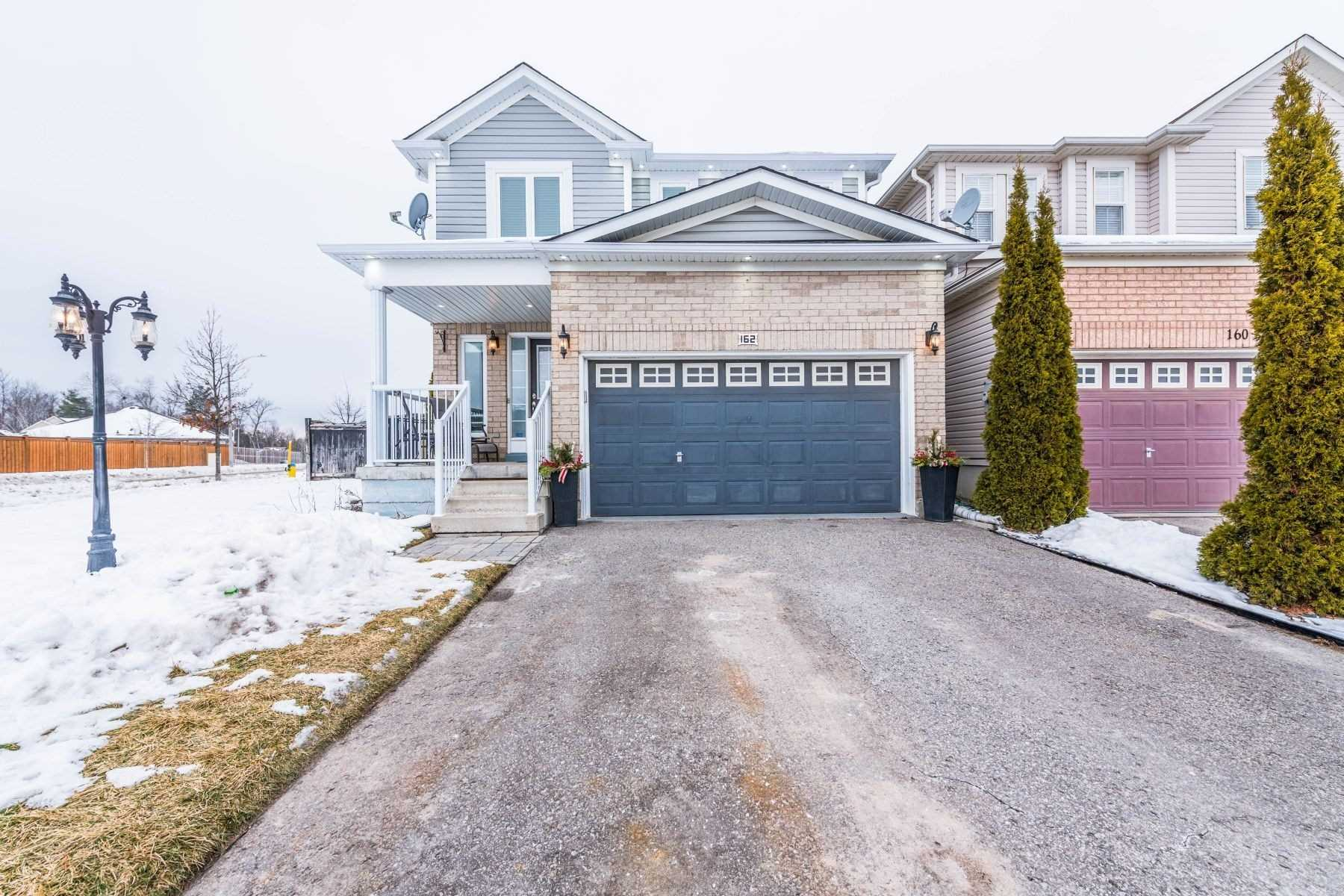 pictures of house for sale MLS: N5083233 located at 162 Maplewood Dr, Essa L0M1B4