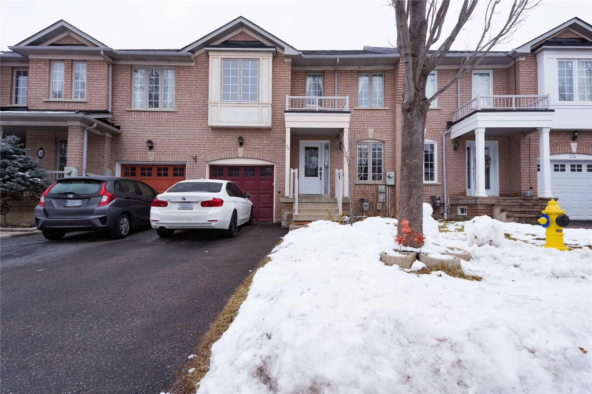 pictures of house for sale MLS: N5083905 located at 26 Cesna Ave, Vaughan L4H2B5
