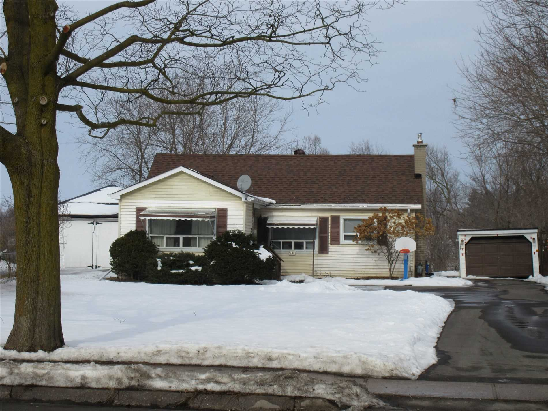 pictures of house for sale MLS: N5085233 located at 194 Victoria St W, New Tecumseth L9R1V6