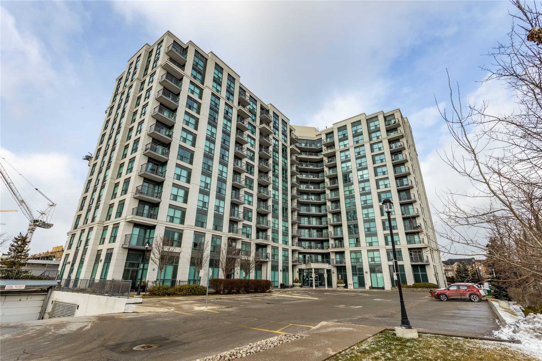 pictures of 185 Oneida Cres, Richmond Hill L4B0B1