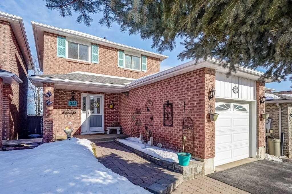 pictures of house for sale MLS: N5129314 located at 255 Colborne St, Bradford West Gwillimbury L3Z2R9
