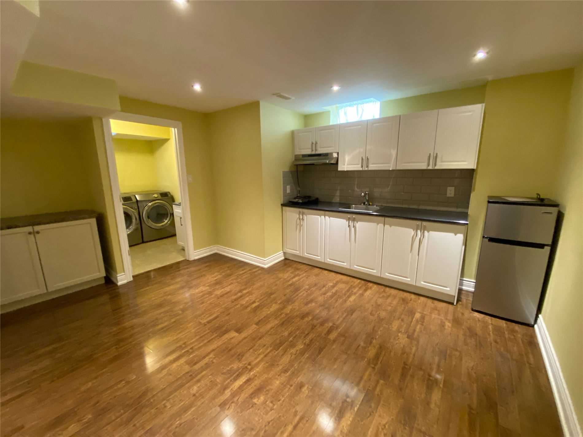 Image 2 of 8 showing inside of 0 Bedroom Semi-Detached Apartment for Lease at 2 Maroon Dr, Richmond Hill L4E5B4