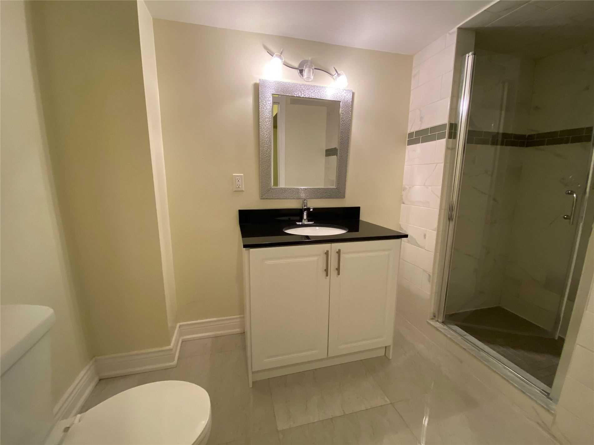 Image 6 of 8 showing inside of 0 Bedroom Semi-Detached Apartment for Lease at 2 Maroon Dr, Richmond Hill L4E5B4