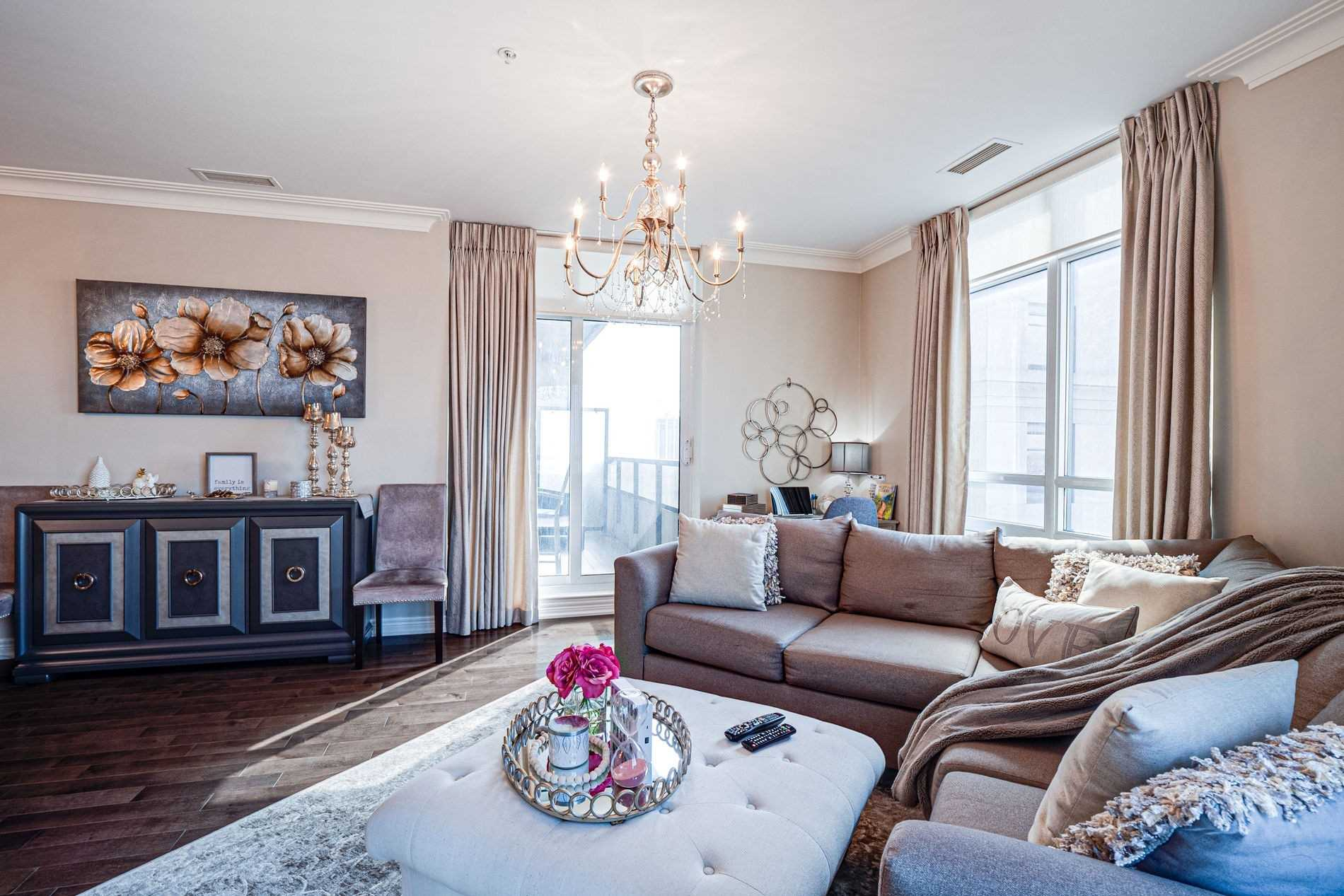 Image 10 of 40 showing inside of 2 Bedroom Condo Apt Apartment for Sale at 9255 Jane St Unit# 1702, Vaughan L6A0K1